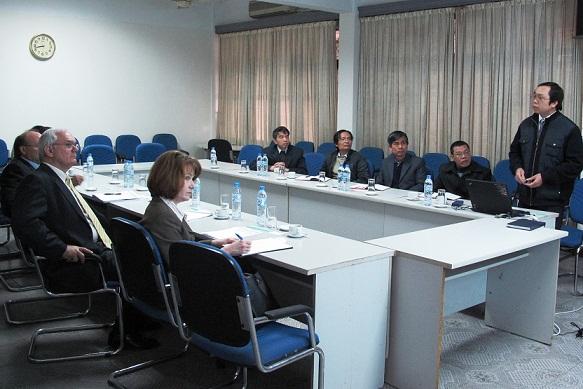 Đoàn chuyên gia Bộ Năng lượng Hoa Kỳ đến thăm và làm việc với Viện KH&KTHN