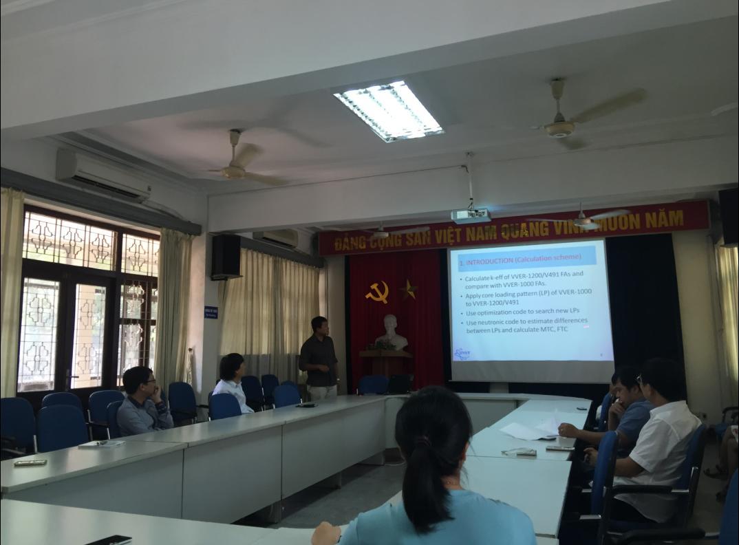Hội thảo định kỳ Viện Khoa học và Kỹ thuật Hạt nhân