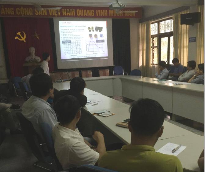 Đoàn thanh niên Viện Khoa học và Kỹ thuật hạt nhân chuẩn bị báo cáo cho Hội nghị Khoa học và công nghệ hạt nhân lần thứ 12